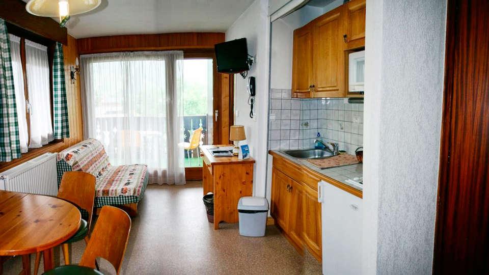 Hôtel Chris-Tal - EDIT_apartment1.jpg