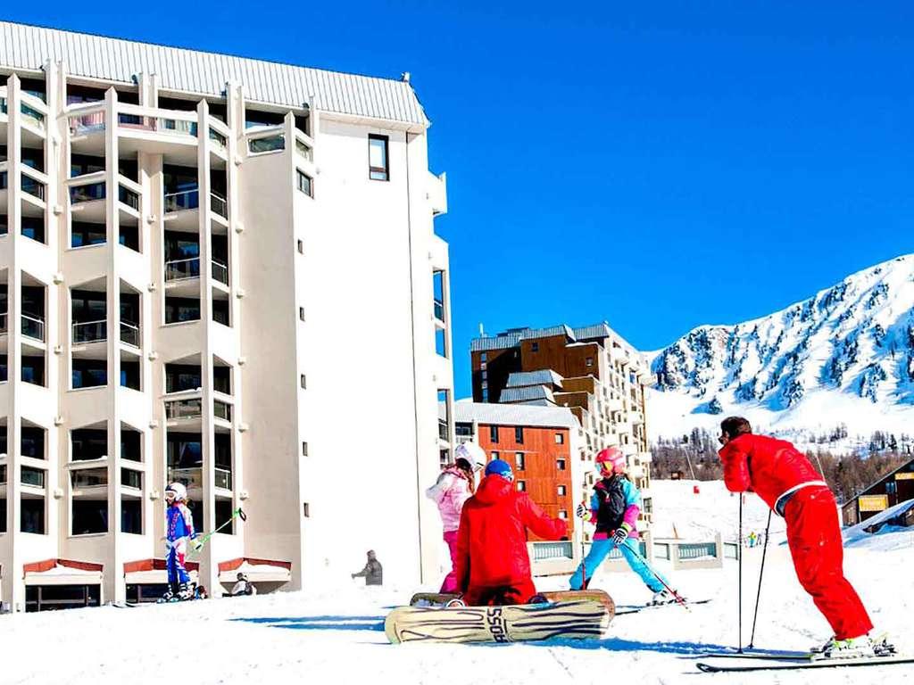 Séjour Ski Alpes - Partez à l'assaut de la montagne en raquettes, à isola 2000  - 3*