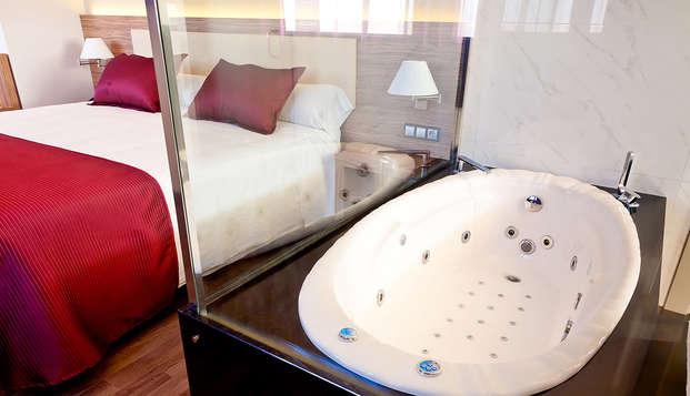 Exclusividad total: Love en habitación con jacuzzi, spa, cena en la Costa Blanca