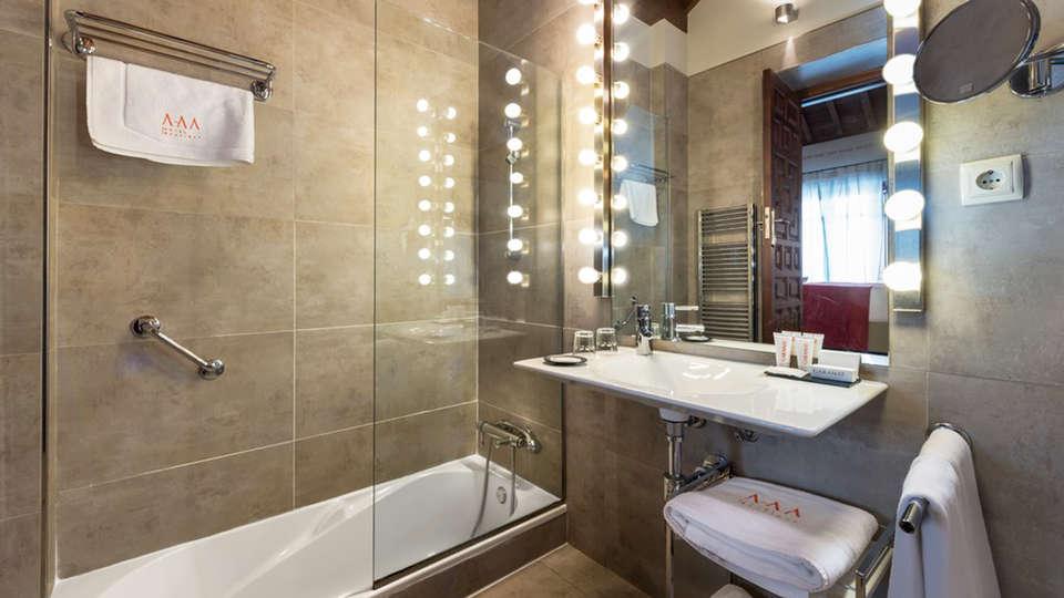 GAR Anat Hotel Boutique - EDIT_NEW_bath2.jpg