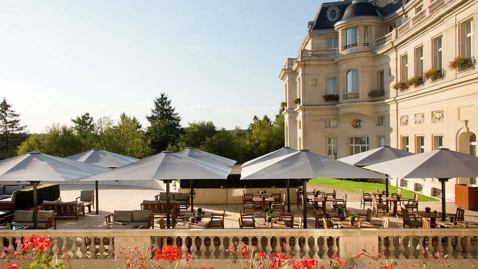 Tiara Château Hôtel Mont Royal Chantilly - EDIT_NEW_terrace.jpg
