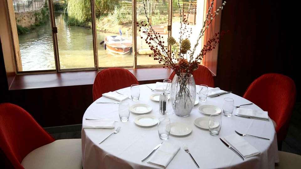 Ile du Gua Suites - Edit_Restaurant.jpg