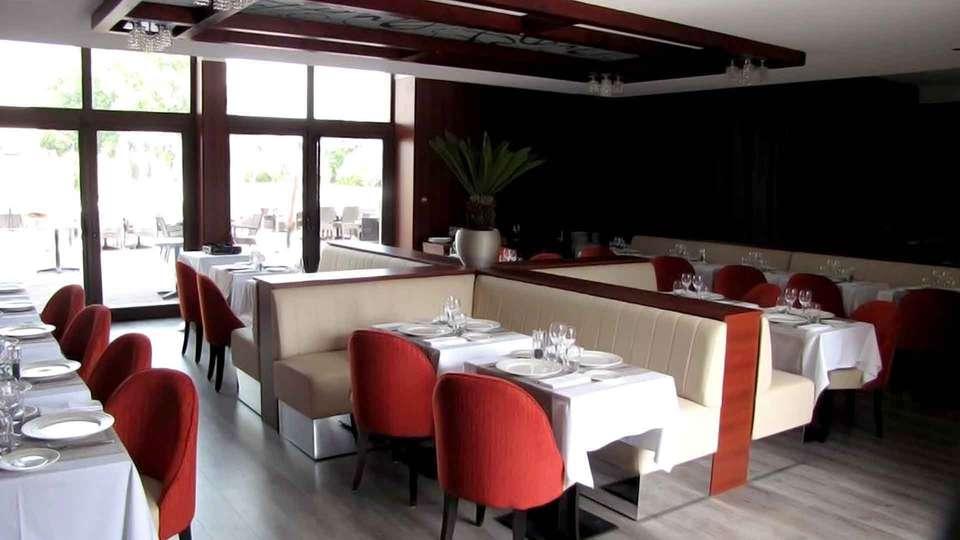 Ile du Gua Suites - Edit_Restaurant2.jpg