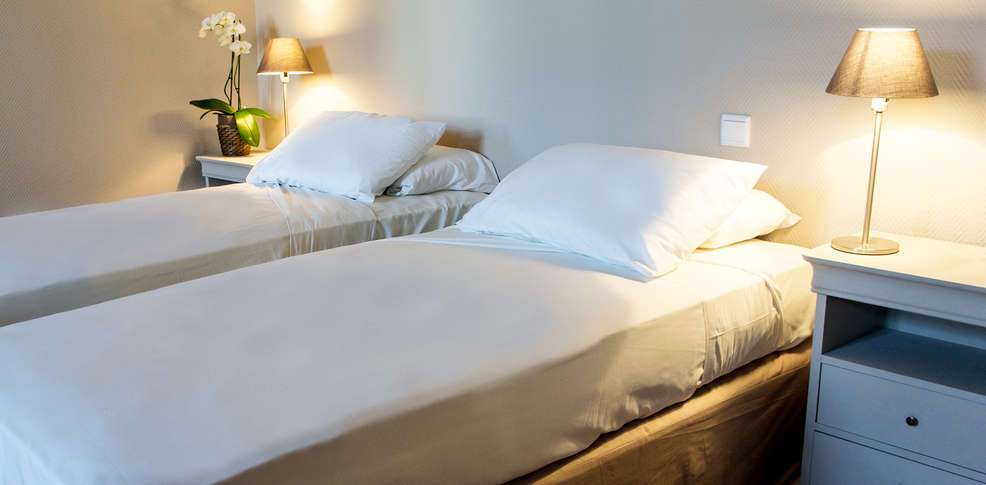 h tel de france saint maximin la sainte baume saint maximin la sainte baume france. Black Bedroom Furniture Sets. Home Design Ideas