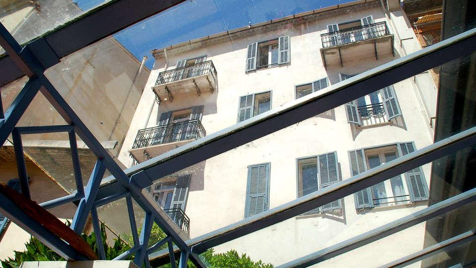 Hôtel de la Fontaine - Edit_View.jpg