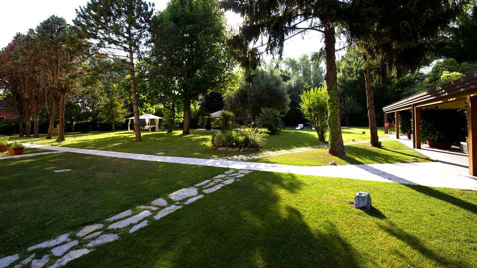 Viktoria Palace Hotel - Edit_Garden.jpg