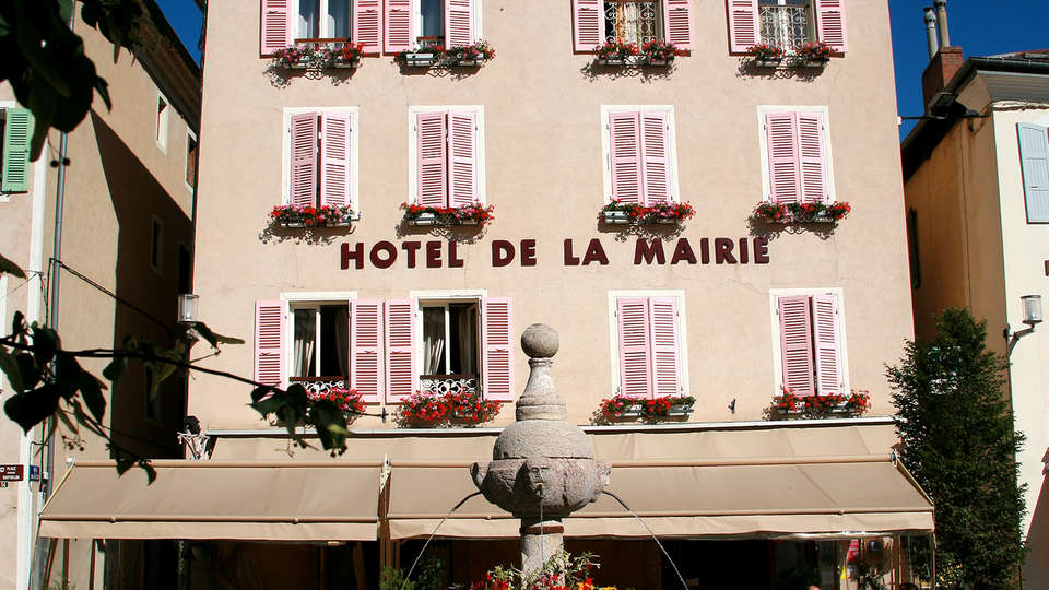 Hôtel de la Mairie - Edit_Front.jpg