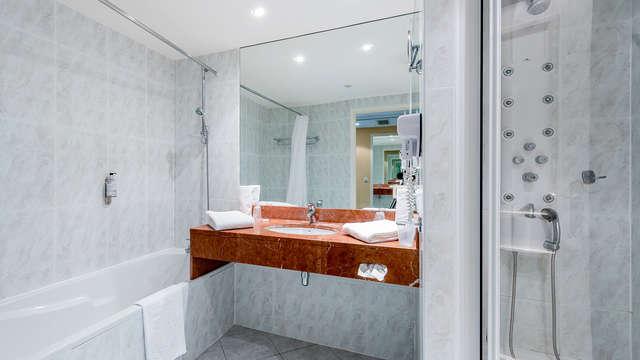 Domaine De Fompeyre - NEW bath