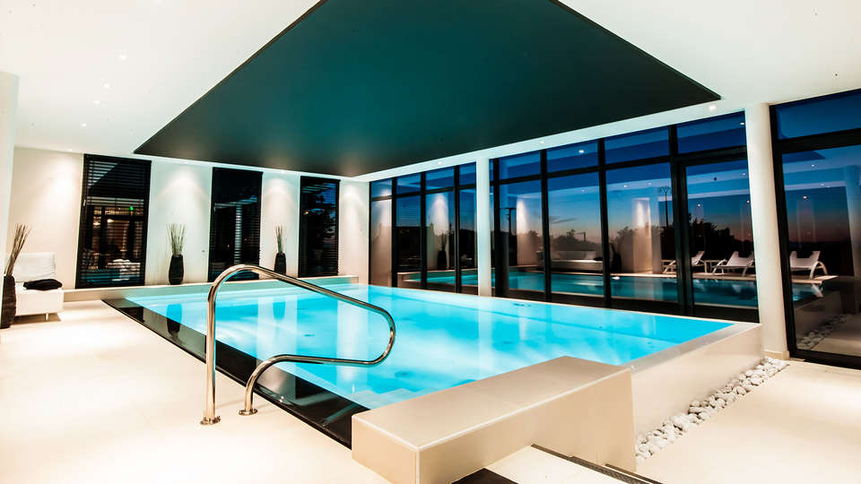 Hôtel de la Butte  - EDIT_Pool_1.jpg