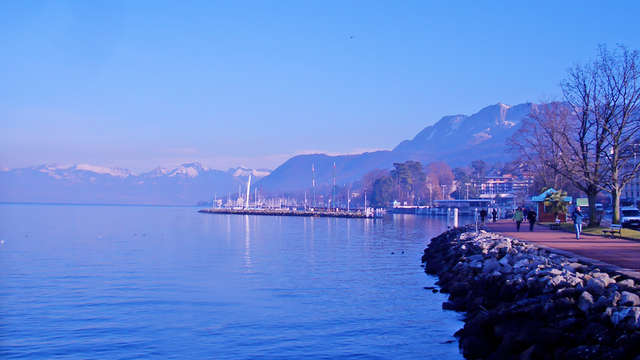Evasion avec vue sur le lac, sur les berges du lac Léman