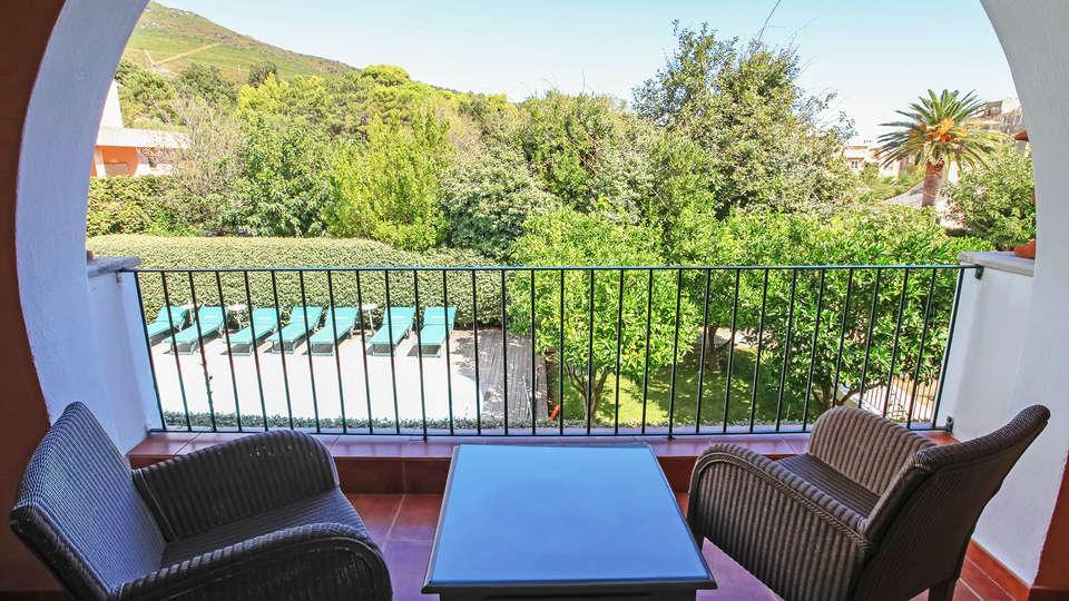 Hôtel Demeure Castel Brando - EDIT_view.jpg