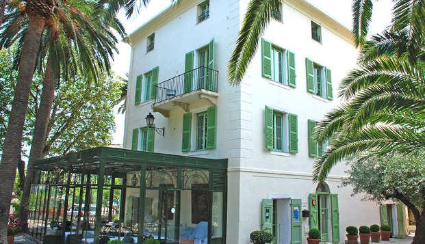 Hotel Demeure Castel Brando - front