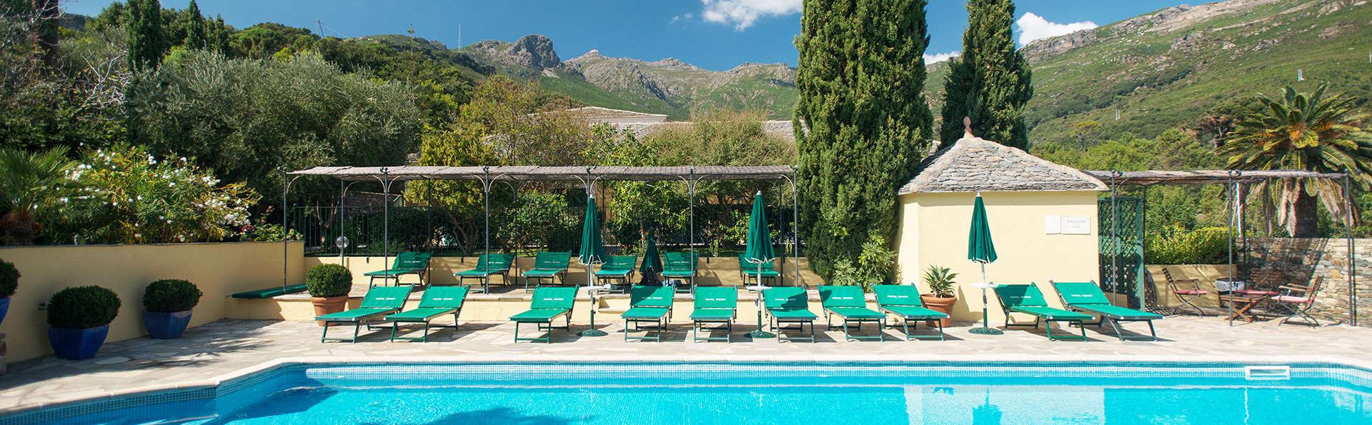 Hôtel Demeure Castel Brando - EDIT_pool.jpg