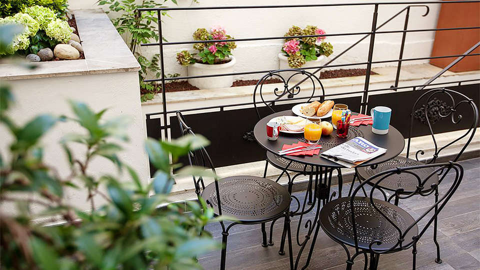Hôtel des 3 Poussins - EDIT_terraza_3.jpg