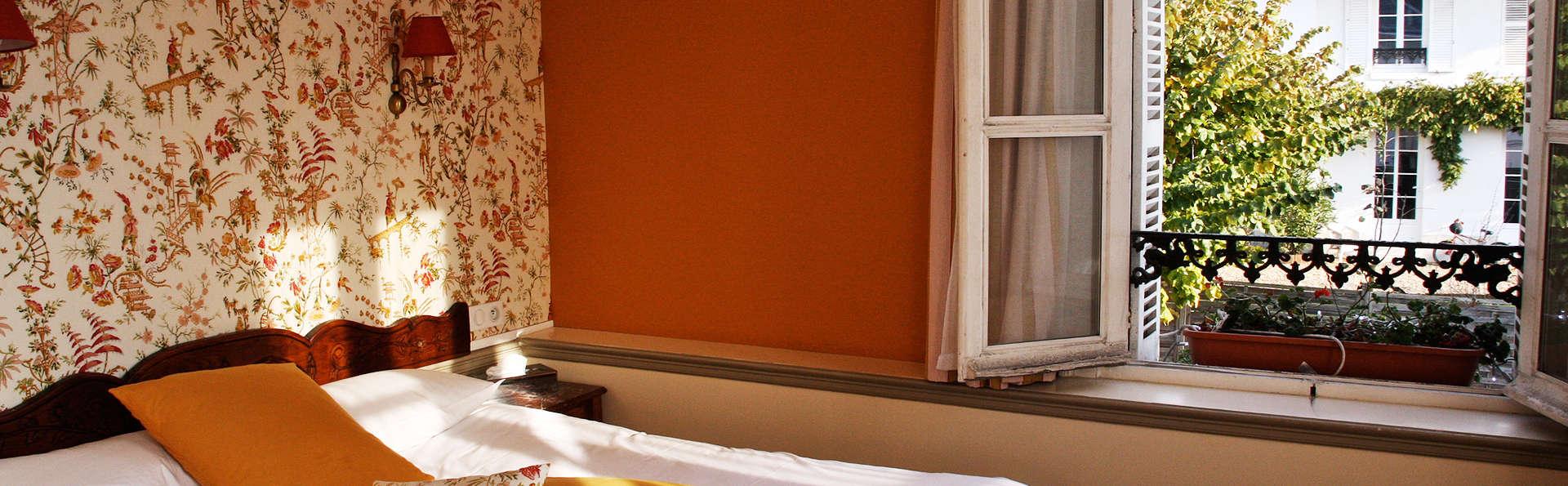 Hôtel des Phares - EDIT_room5.jpg