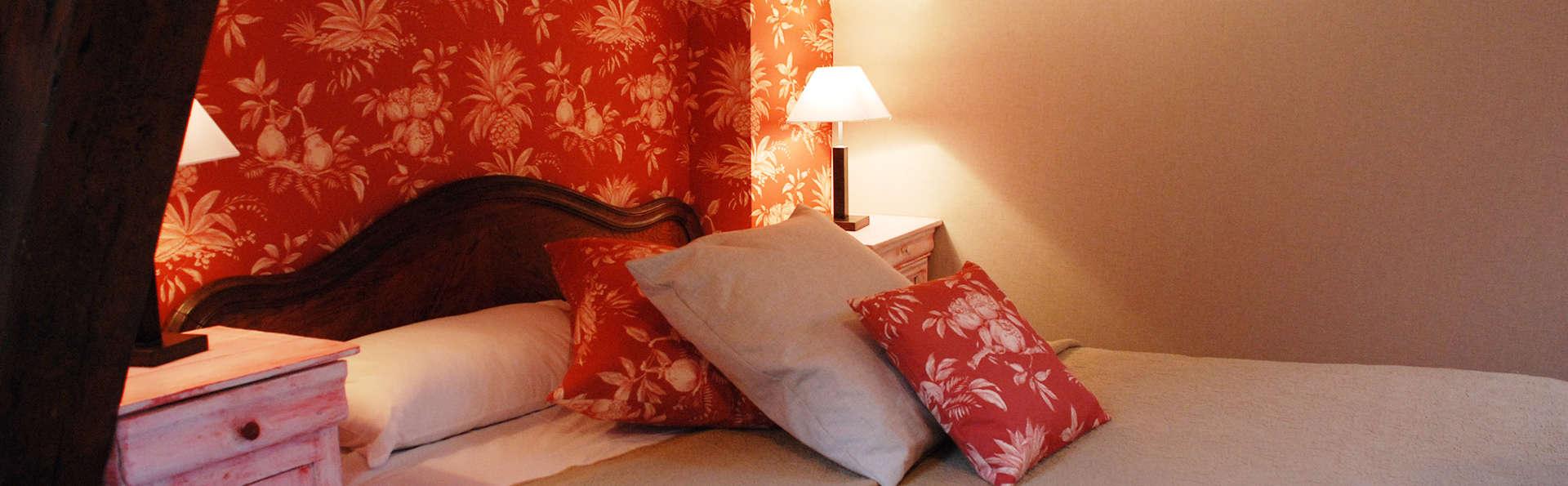 Hôtel des Phares - EDIT_room7.jpg