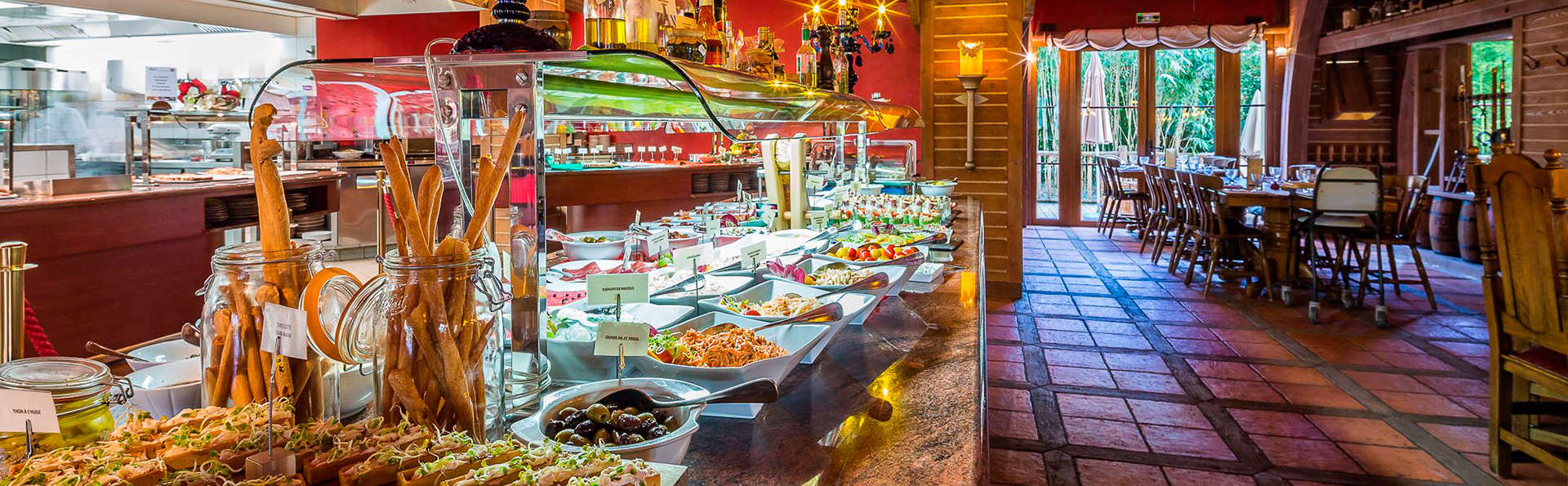 Hôtel des Pirates - EDIT_buffet.jpg