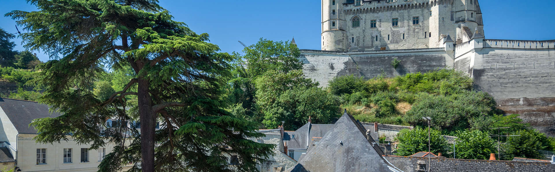 Anne d'Anjou - EDIT_NEW_exterior.jpg
