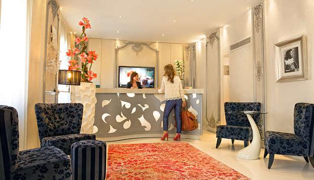 Hotel Renoir - NEW reception
