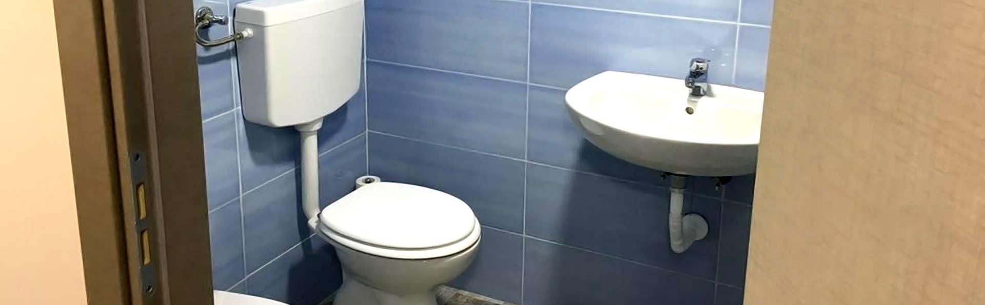 B&B Chez Moi - Edit_Bathroom.jpg