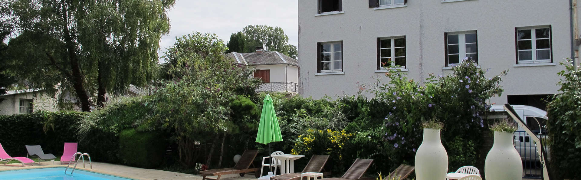 Hôtel Deshors-Foujanet - EDIT_pool.jpg