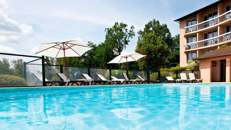 Hôtel du Lac - EDIT_pool.jpg
