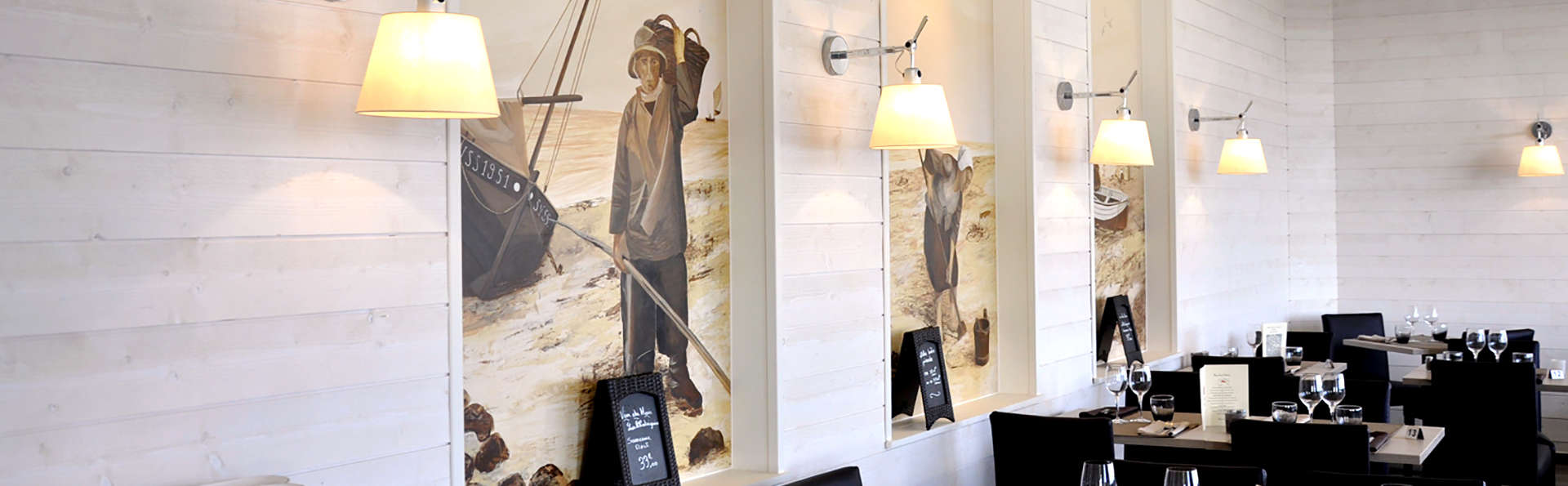 Hôtel du Port et Restaurant des Bains - Edit_Restaurant2.jpg