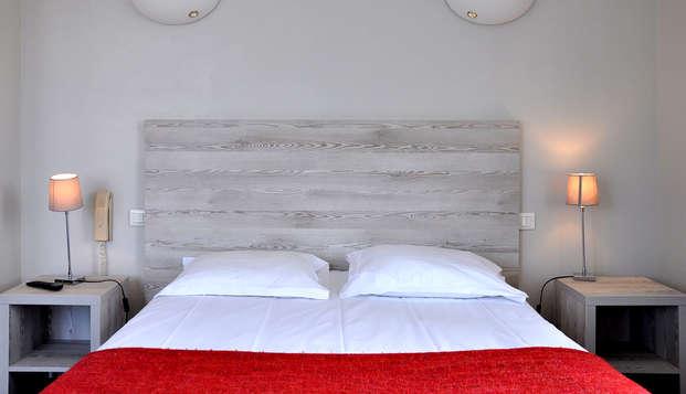 Hotel du Port et Restaurant des Bains - Room
