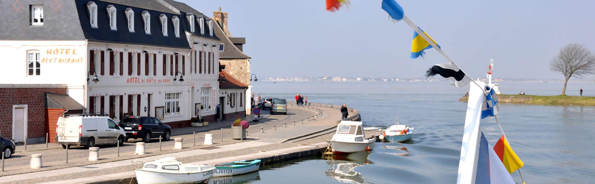 Hôtel du Port et Restaurant des Bains - Edit_Front.jpg