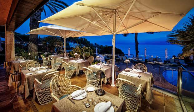 L'incanto della Costa Brava con una cena romantica
