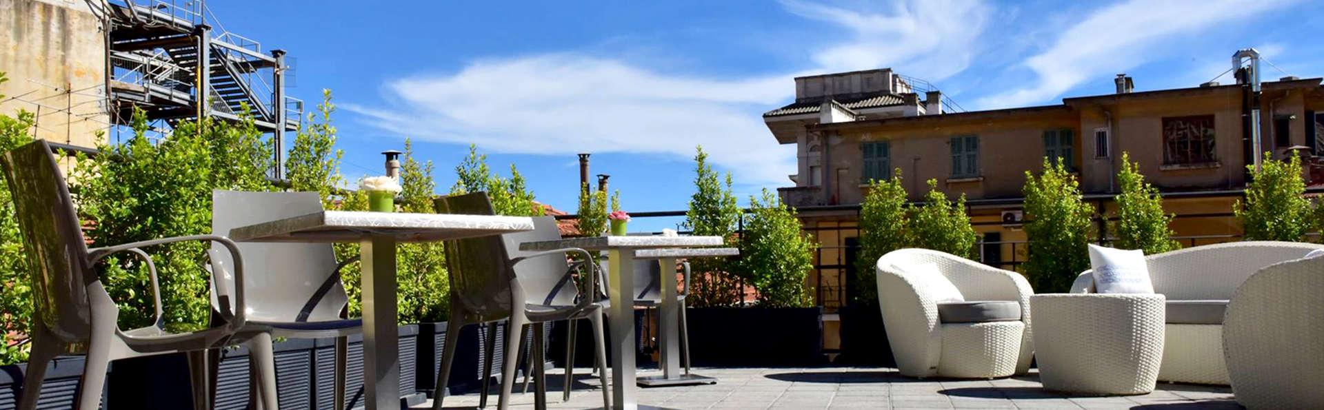 Séjour de deux nuits au cœur de Sanremo avec accès au spa à côté du célèbre théâtre Ariston.