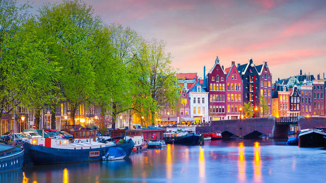Genieten tussen de Vinkeveense plassen en Amsterdam (vanaf 2 nachten)