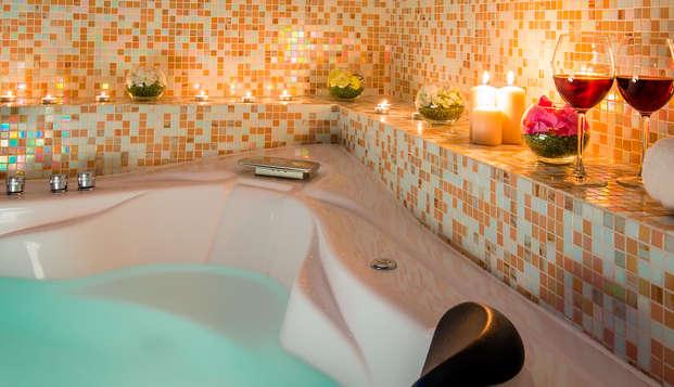 Descubre Sevilla alojándote en una Junior Suite con bañera hidromasaje