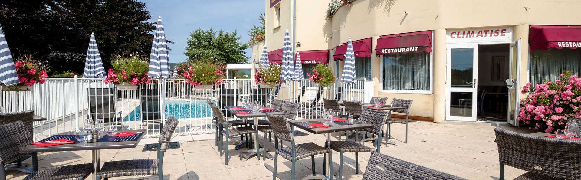 Balladins Superior Dijon Sud - EDIT_NEW_restauranterrace.jpg