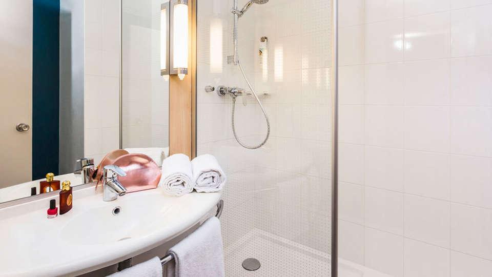 Ibis Metz Nord - EDIT_bath1.jpg