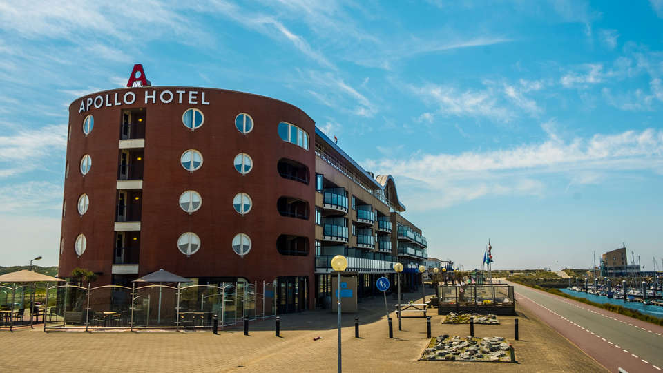 Apollo Hotel IJmuiden Seaport Beach - Edit_Frotn2.jpg
