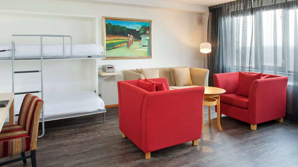 Apollo Hotel IJmuiden Seaport Beach - Edit_Room2.jpg