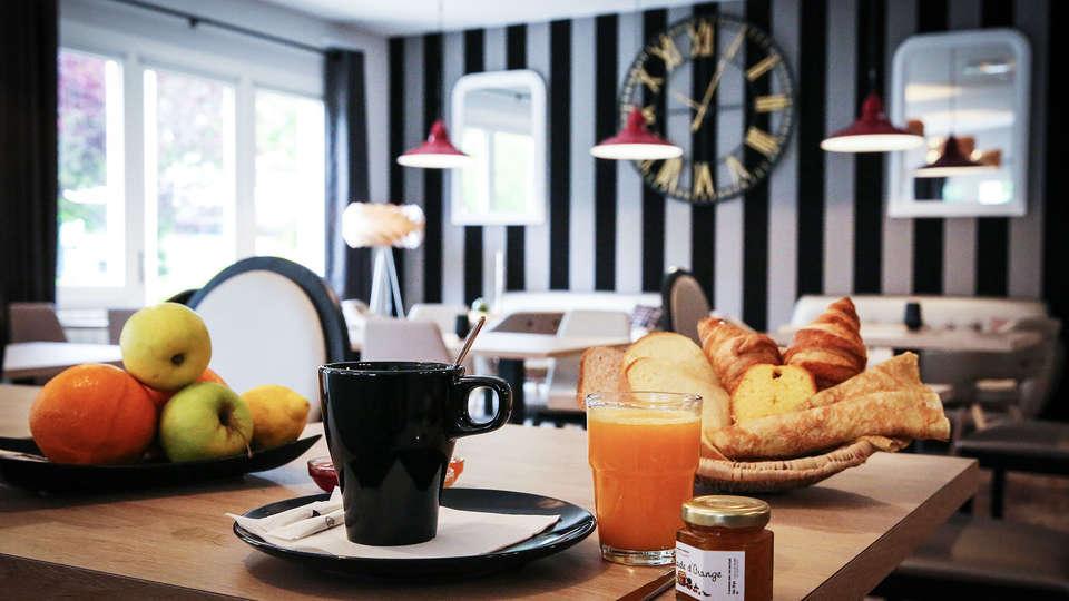 Hotel Inn Design - EDIT_breakfast.jpg