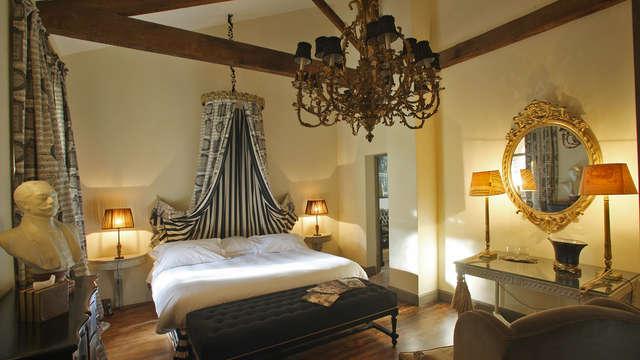 Charme et luxe niché dans un jardin secret en plein coeur de Nîmes