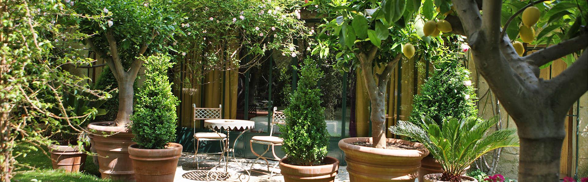 Week-end d'exception en junior Suite dans un hôtel de charme à Nîmes