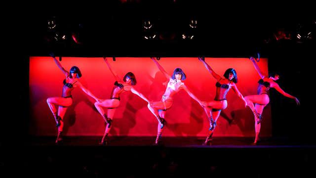 Espectáculo de glamour en Crazy Horse y escapada relax en el corazón de París
