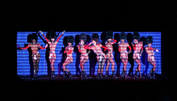 Séjour à deux pas des Champs-Elysées avec spectacle au Crazy Horse de Paris