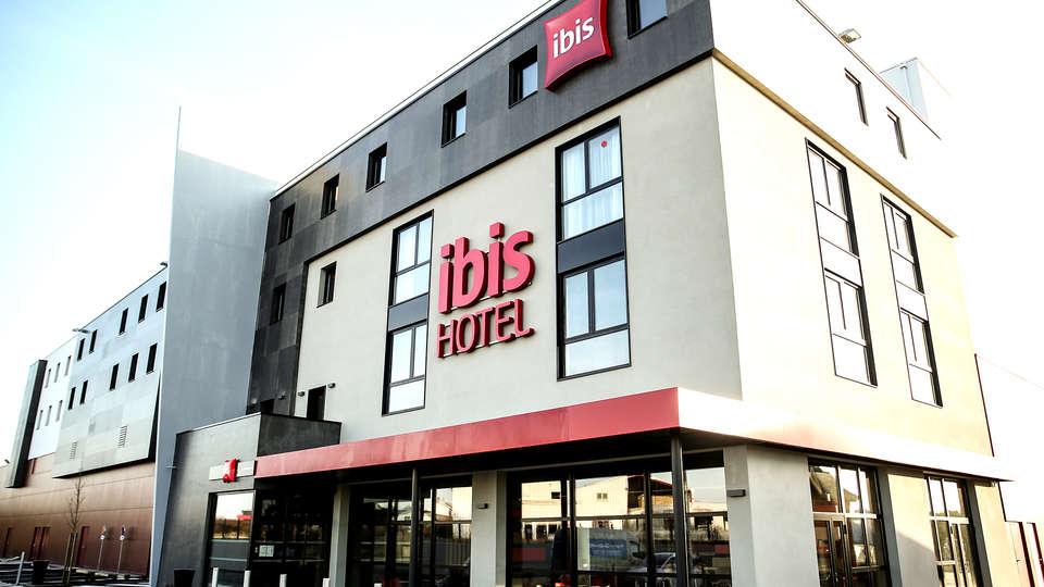 Ibis Niort Est Mendes France - Edit_Front.jpg