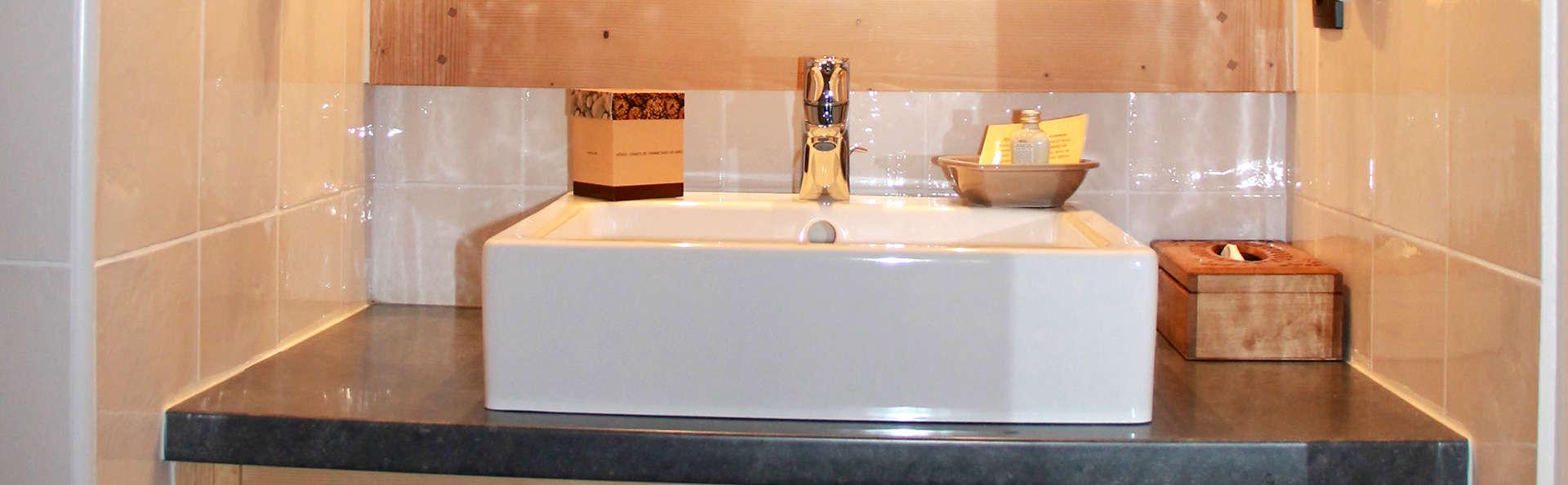 Les Chalets de la Griyotire - Edit_Bathroom.jpg