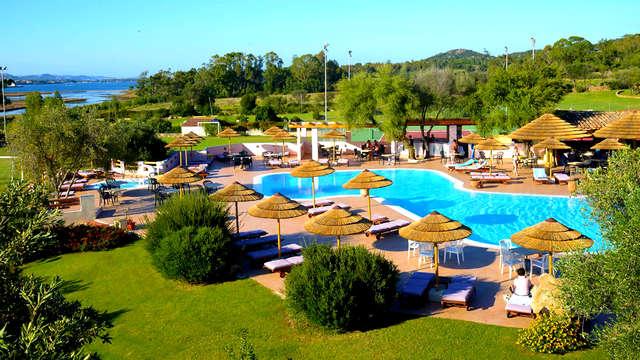 Escapada en Cerdeña con extra en alojamiento con piscina
