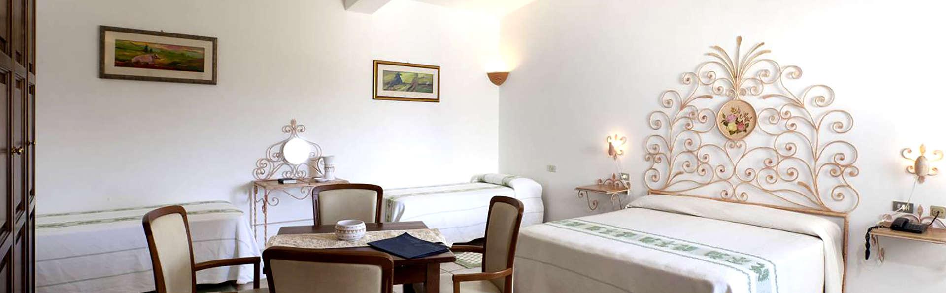 Hotel Airone - Edit_Room4.jpg