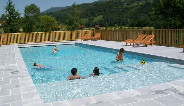 Hotel Lac des Graves - pool