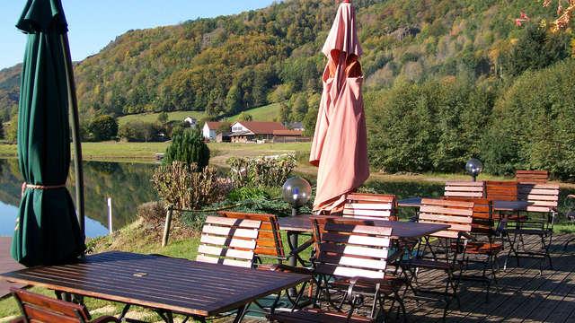 Week-end avec dîner au bord d'un lac au coeur du Cantal