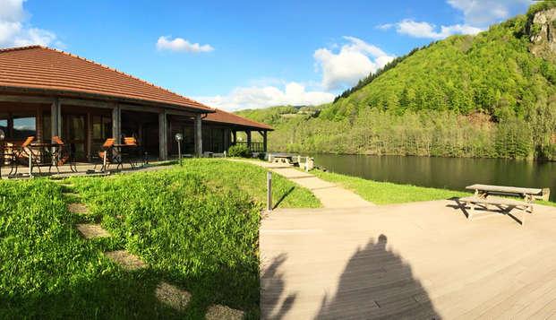 Hotel Lac des Graves - exterior
