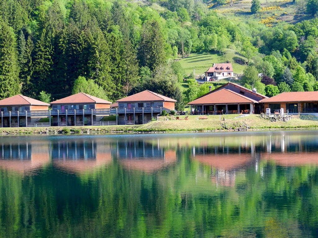 Séjour Auvergne - Séjour de charme au bord du Lac des Graves dans le Cantal (à partir de 2 nuits)  - 3*